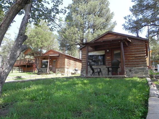 Apache Village Cabins: King Suites