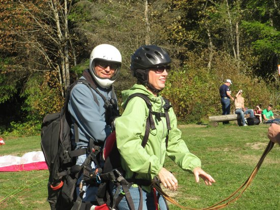 Parafly Paragliding: ready to launch