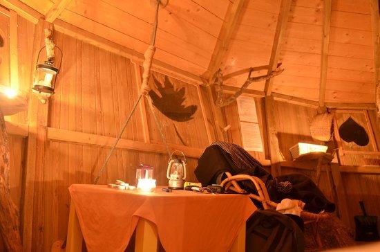 Les Cabanes de Viré: Cabane du chêne