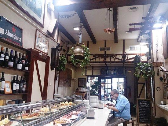 Maitea Taberna : Interior del restaurante