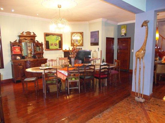 Sweet Ocean View Guesthouse: gezamenlijke ontbijttafel