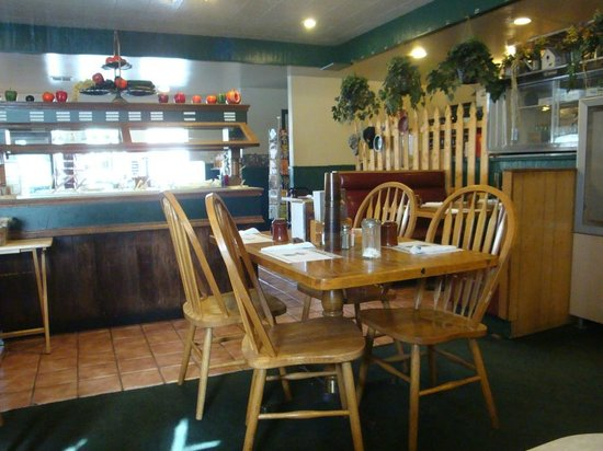 Golden Hills Restaurant: Sala ristorante