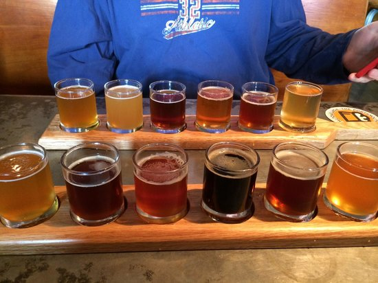Portsmouth Brewery: Dualing flights!