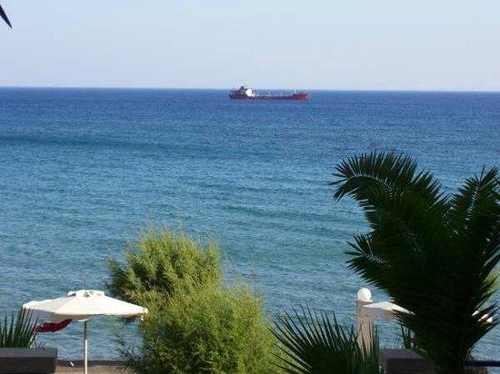 Hotel Ilyssion: View over the sea