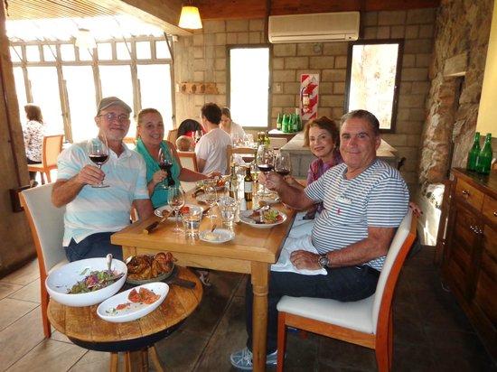 Malbec Symphony Wine Tours - Day Tours: Almoço na Vinicola Familia Zucarddi