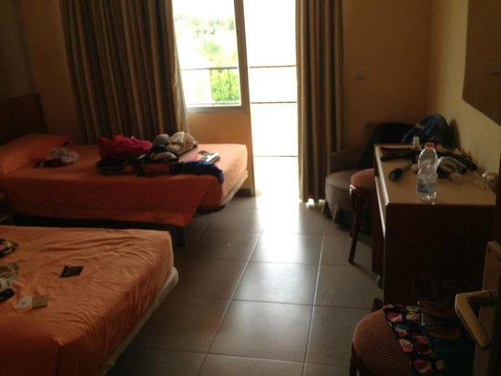 Martinez Apartments : Bedroom