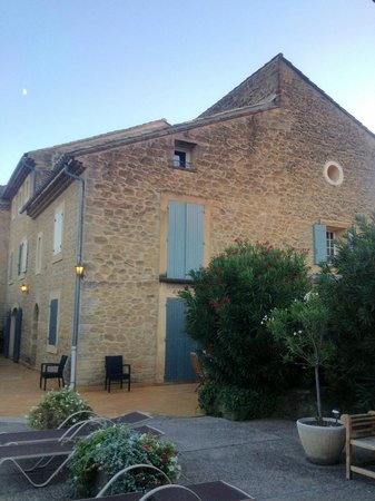 Le Moulin Vieux : View from the pool house