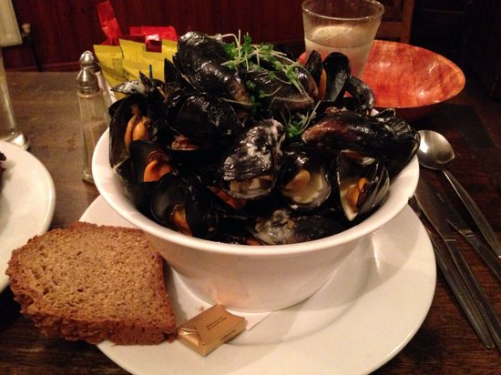 O'Connors Pub Doolin: Mussels galore