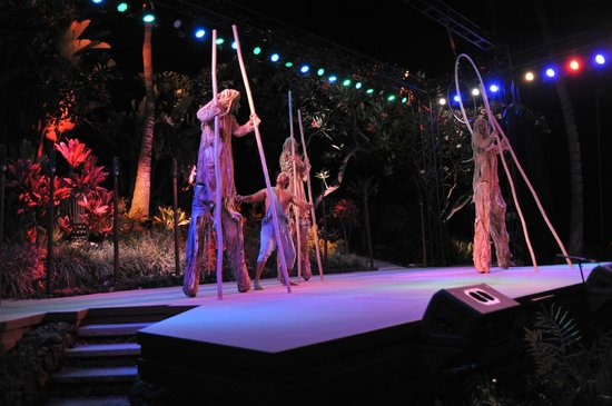 Ulalena's Lu'au : Ulalena's Spectacular Maui Show in a Outdoor Lu'au Setting