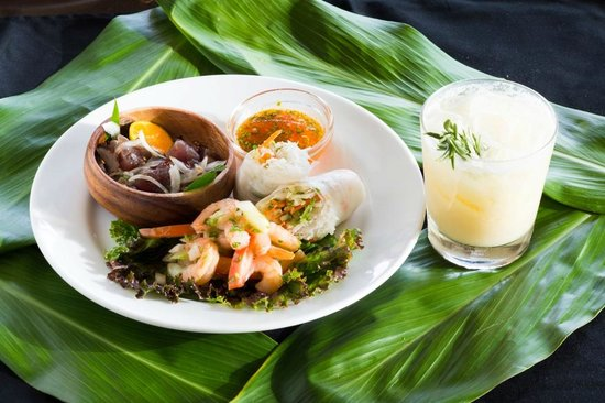 Ulalena's Lu'au : Appetizer Trio featuring shrimp and ahi poke and fresh spring vegetable rolls