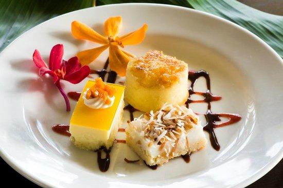 Ulalena's Lu'au : Hawaiian Maui Luau Desserts: Haupia Pie, Pineapple Upside Down Cake, Mago Cheesecake