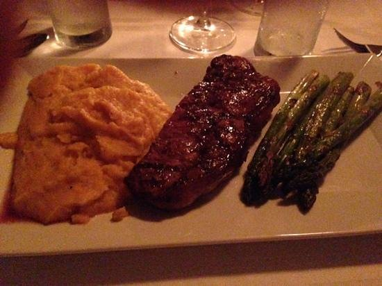 Katie's on Shore Road : NY Strip