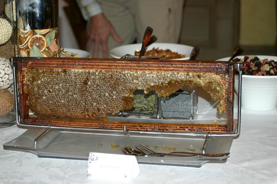 Michelangelo Hotel : Fresh honey from the hive