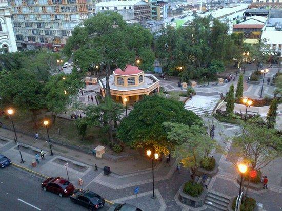 Gran Hotel Sula: Parque central