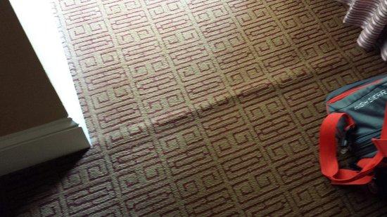 Omni Royal Crescent Hotel: Carpet uneven