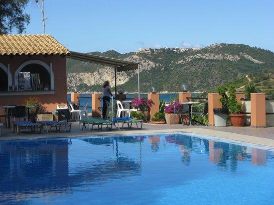 Theo's Hotel: Pool Area!