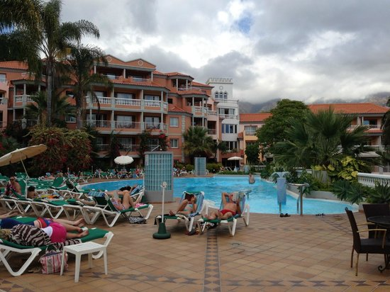 بيستانا ميرامار جاردن ريزورت أبارتهوتل: hotel and pool