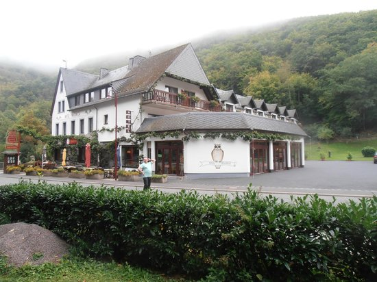 Mosellandhotel Waldeck: View of front from road