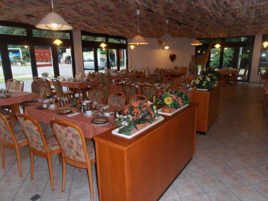 Mosellandhotel Waldeck: Dining room