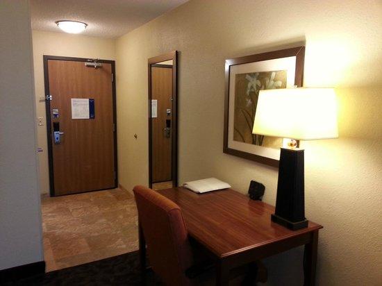 Hampton Inn Mansfield/Ontario : Desk