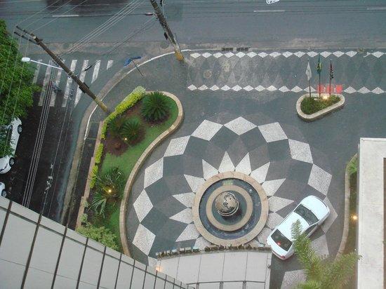 Estanplaza Paulista: vista dall'alto dell'ingresso all'hotel
