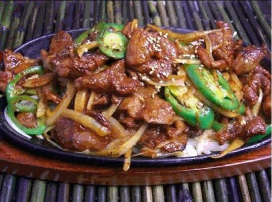 Hashigo Korean Kitchen: Dae Ji Bulgogi (Spicy Marinated Pork)