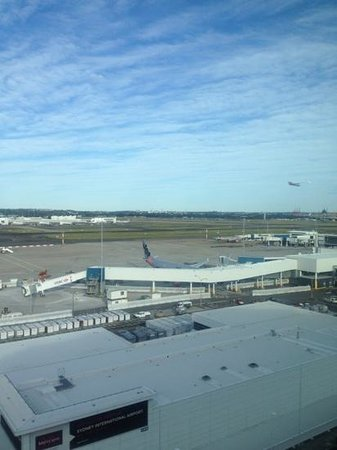 Rydges Sydney Airport Hotel: view from room 817