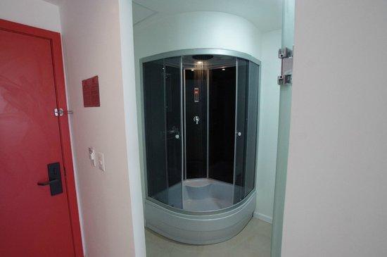 Hotel Zar La Paz: Shower