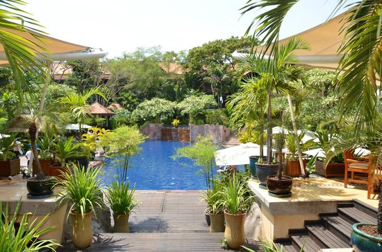 Victoria Angkor Resort & Spa: jardin tropical