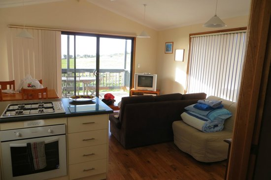 Waves and Wildlife Cottages: Our 1 bedroom