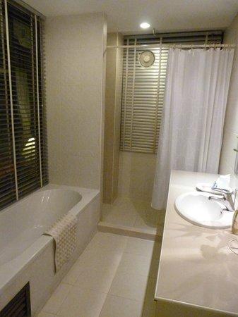 The Best Bangkok House : Baño habitación