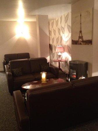The Old Mill Restaurant: lovely & relaxing snug for after dinner drinks