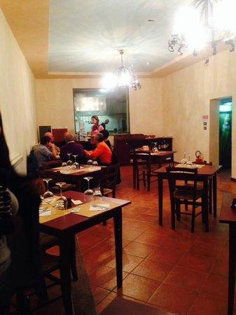 sala e cucina - Picture of Osteria Pescheria Pesca e Mangia ...