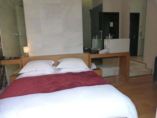Aire Hotel & Ancient Baths: Habitación acogedora