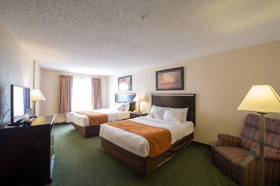 Comfort Suites Dillon: 2 Queen Bed Suite
