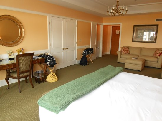 Haywood Park Hotel: Room