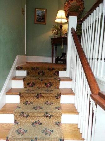 Inn On Charlotte: Stairway