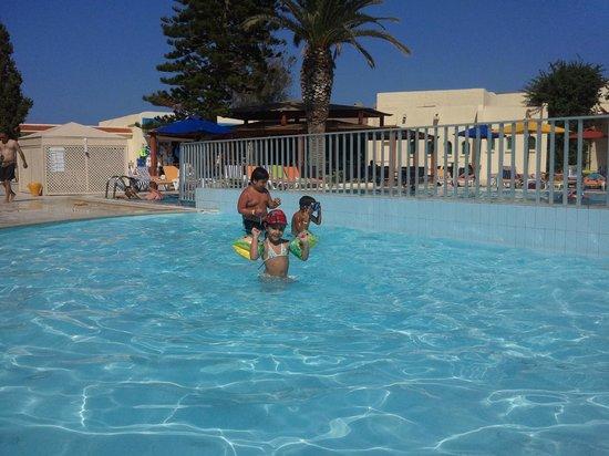 Hotel Abou Sofiane: pisine