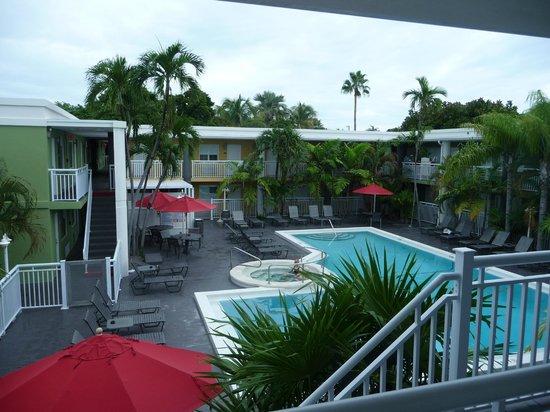 BEST WESTERN Hibiscus Motel: Blick vom Zimmer auf den Pool