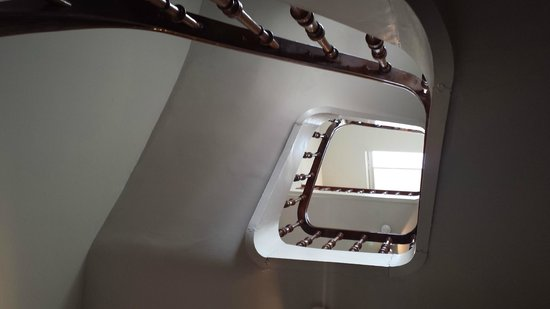 Hotel Julien: Stairs