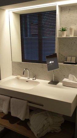 Hotel Julien: Experience bathroom
