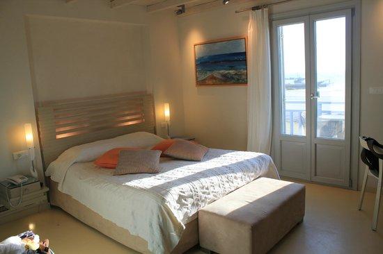 Iria Beach Art Hotel: my room