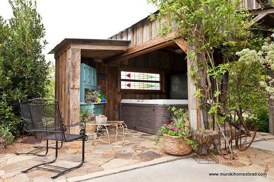 Murski Homestead B&B: Outdoor Spa