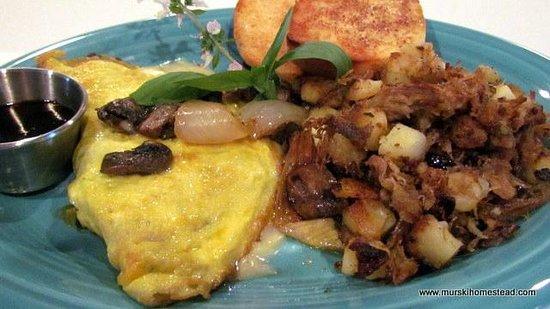 Murski Homestead B&B: Breakfast in Bed