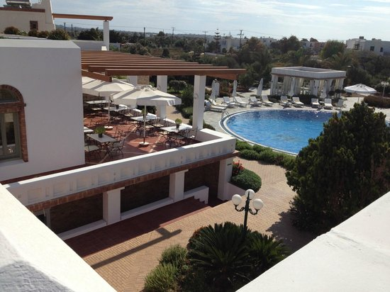 Porto Naxos Hotel : view from the stairs
