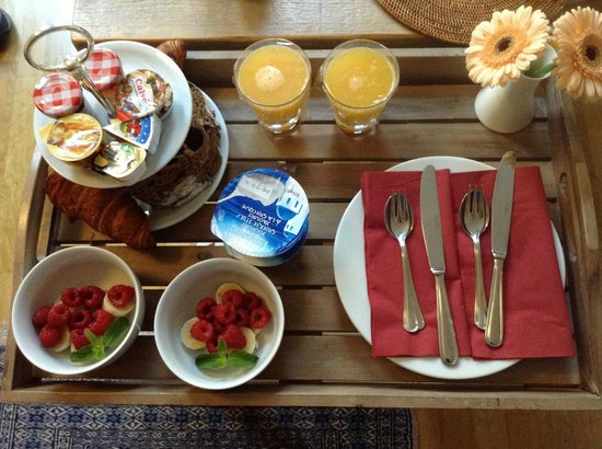 Le Quartier Sonang: breakfast served in your room - espresso machine also in room