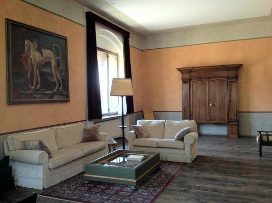 Palazzo Castiglioni Luxury Suites: Suite Arco: living room
