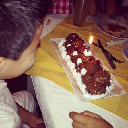 Monte Verde Trattoria Pizzeria: Profiterol que preparó Alessandra para mi hijo, delicioso!!