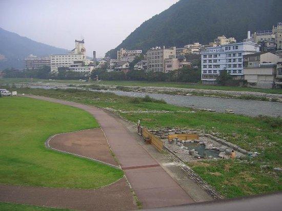 Bosenkan: 川湯全景