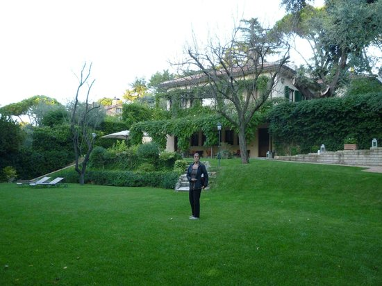 Villa Magnolia Relais : A view of the garden
